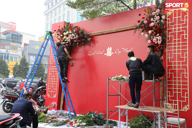 Không gian nhà Duy Mạnh - Quỳnh Anh trước lễ ăn hỏi: Nhà trai giản dị, nhà gái ngập tràn sắc đỏ