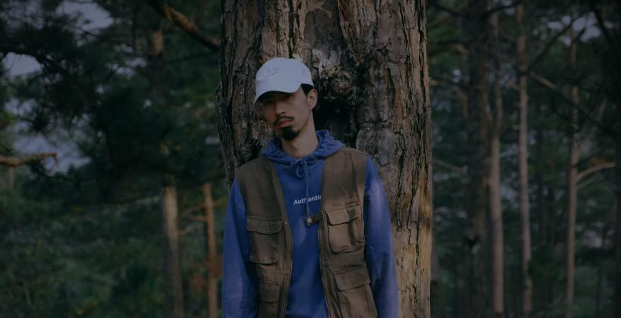 Vừa tung teaser, Đen Vâu đã chính thức ra mắt MV Một triệu like mừng fanpage cán mốc