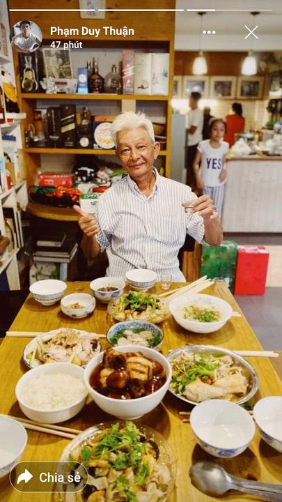 Sao Việt tối giao thừa: Người đảm đang nấu nướng, trang hoàng nhà cửa, người vẫn tranh thủ chạy show