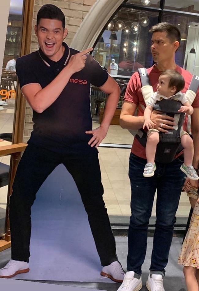 Mỹ nhân đẹp nhất Philippines hài hước chia sẻ khoảnh khắc chồng mặt xị cùng biểu cảm đáng yêu của cậu con trai út