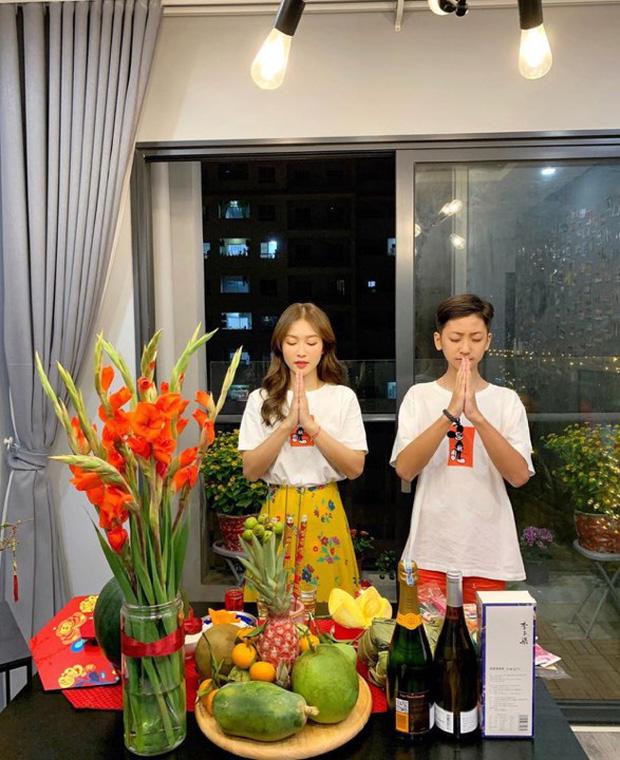 """Sao Việt khoe dàn chị em ruột """"cực phẩm"""": Em gái Hoàng Oanh chẳng kém chị, em trai Sơn Tùng - Khả Ngân ai bảnh hơn?"""