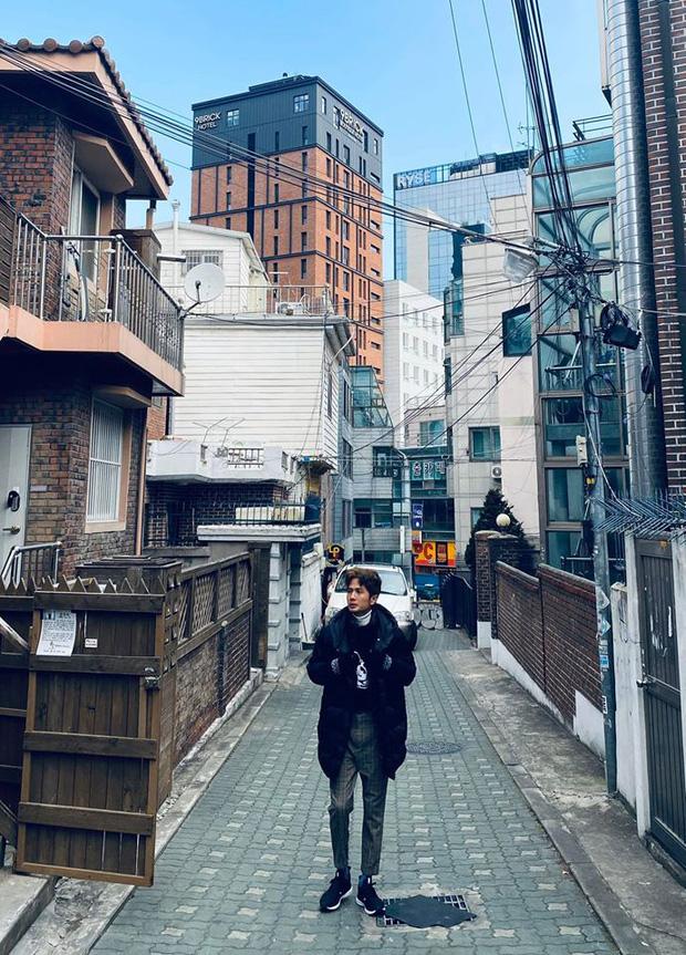 Huỳnh Phương - Sĩ Thanh khoe ảnh khoá môi cực ngọt ngào khi sang Hàn Quốc du xuân