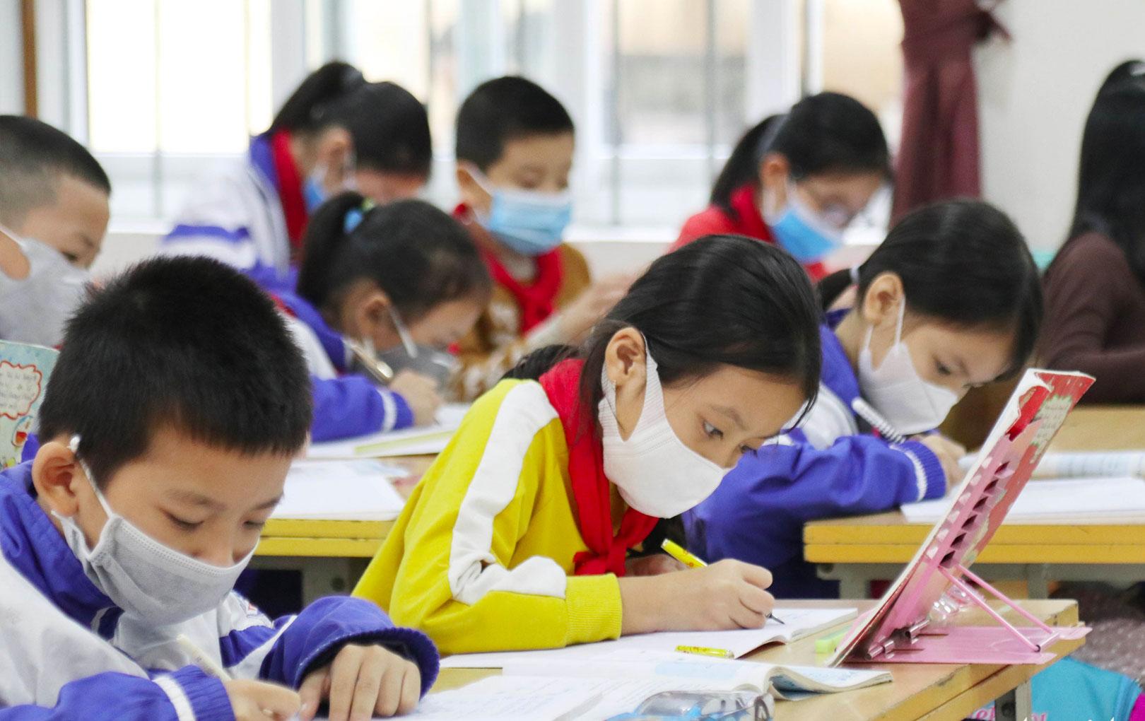 Chính thức:  UBND TP.HCM chấp thuận cho học sinh nghỉ học thêm 1 tuần