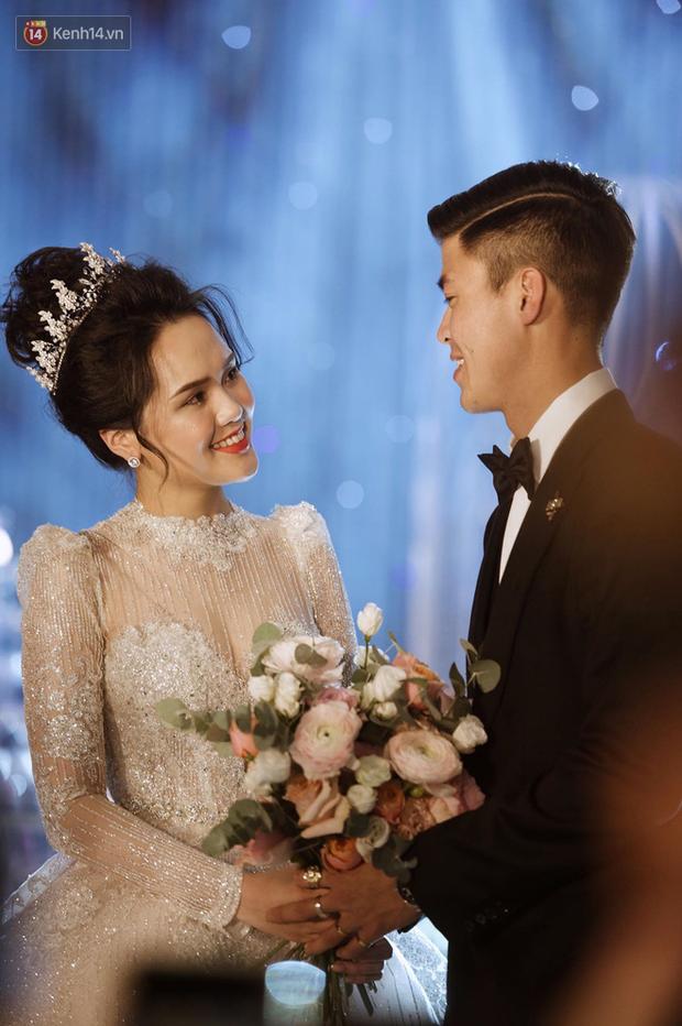 Điểm lại loạt khoảnh khắc đắt giá trong đám cưới Duy Mạnh - Quỳnh Anh: Công chúa và hoàng tử đã có happy-ending rồi!