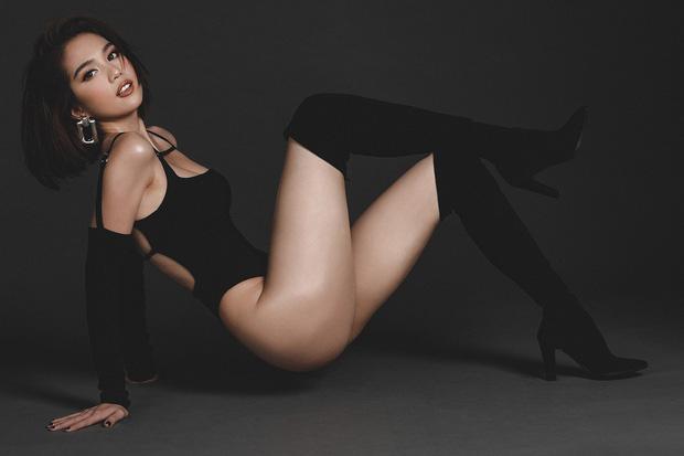 Ngọc Trinh khoe bộ ảnh diện bikini mừng Valentine gợi cảm đến ngộp thở