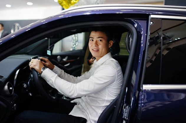 Vừa làm đám cưới, Duy Mạnh -  Quỳnh Anh đã lộ khối tài sản kếch xù: Có nhà riêng, xe tiền tỷ
