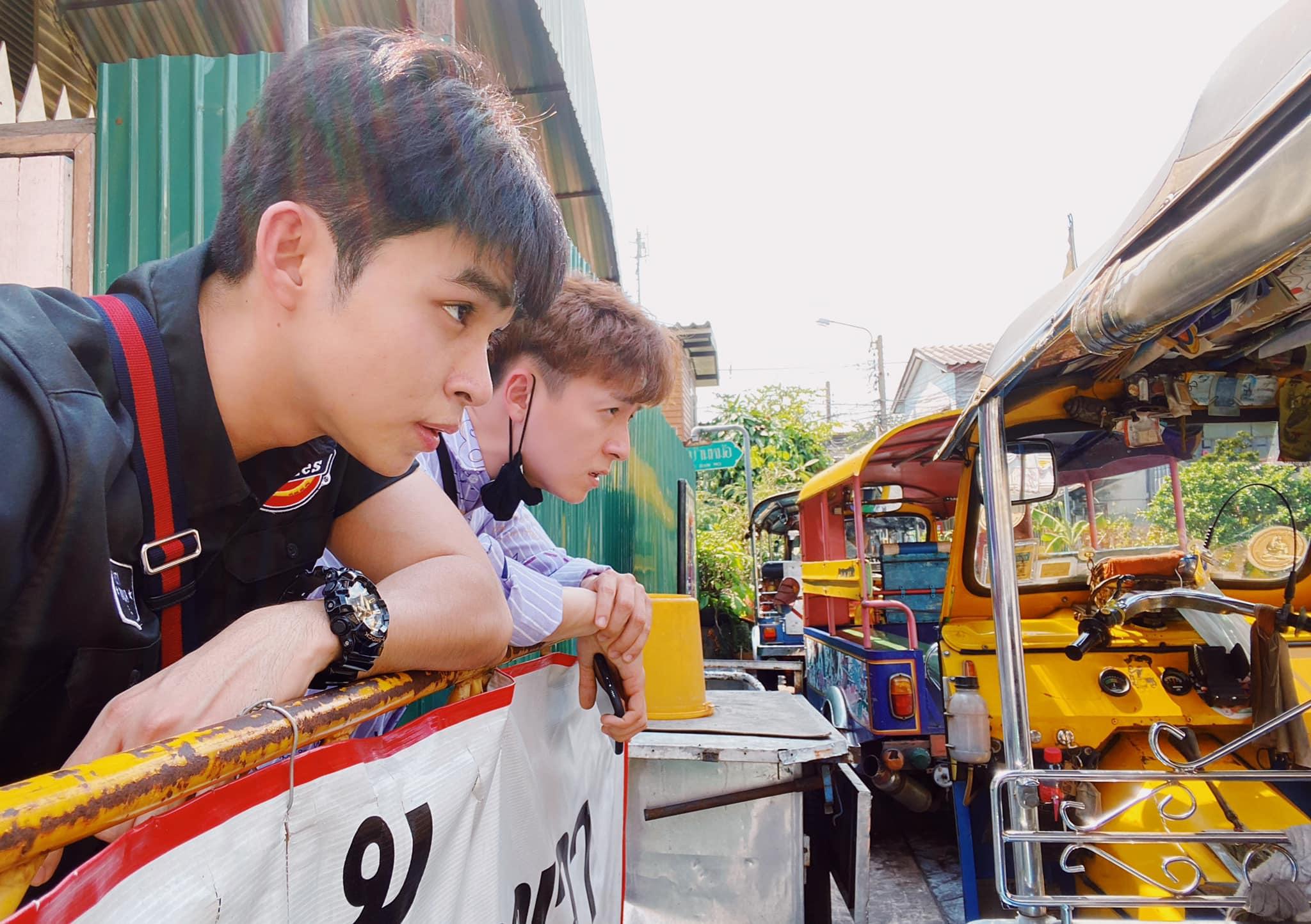 Jun Phạm - Ngô Kiến Huy được fan đẩy thuyền khi liên tục khoe ảnh thân thiết bên nhau và đăng caption đôi