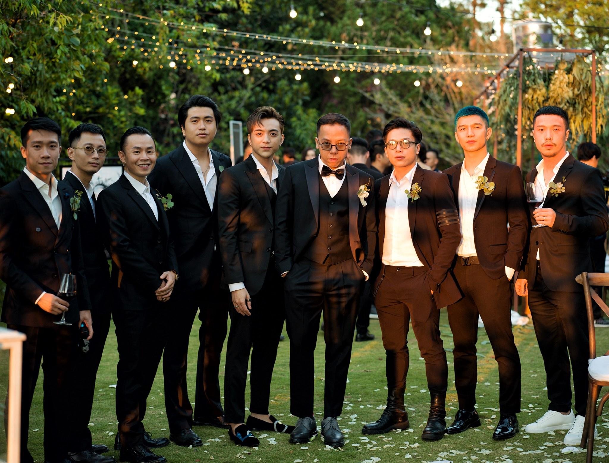 Hoàng Touliver lầy lội xóa sạch tóc của hội bạn thân khi dự đám cưới