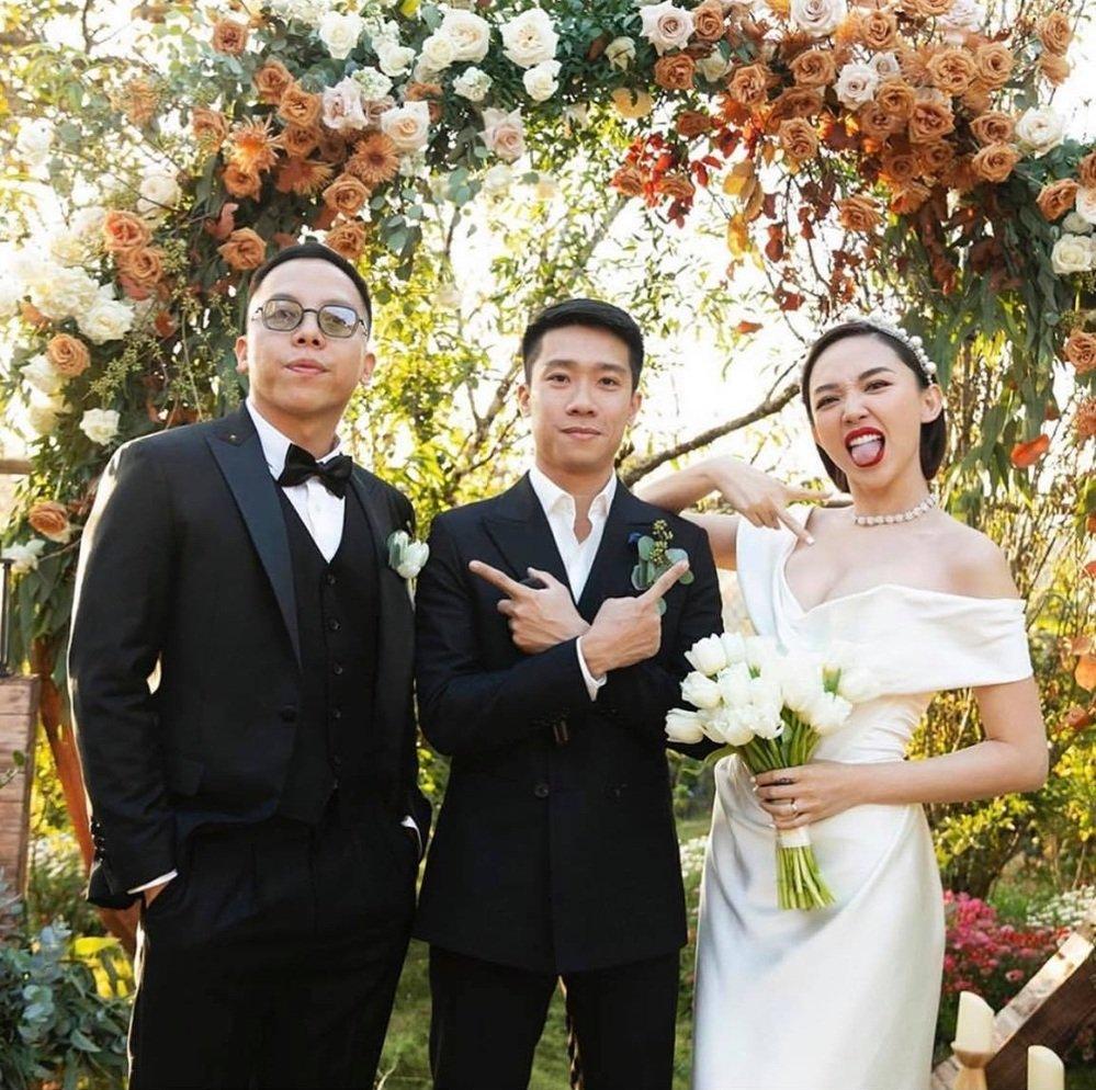 Lộ ảnh cưới bao sắc nét của Tóc Tiên sau gần 10 ngày giấu kín