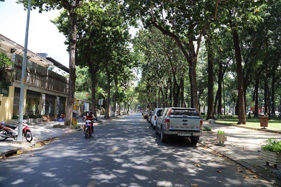 Dịch Covid-19: Sài Gòn vắng hoe không khác gì mùng 1 Tết dù là ngày cuối tuần