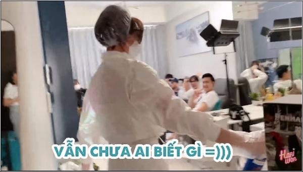 Trịnh Thăng Bình hết hồn vì Hari Won ập vào nhà xịt khuẩn