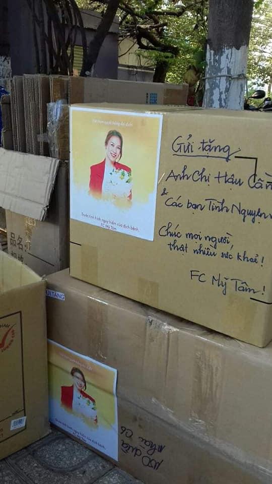FC Mỹ Tâm âm thầm gửi tặng bánh cho đội hậu cần hỗ trợ cách ly Covid-19