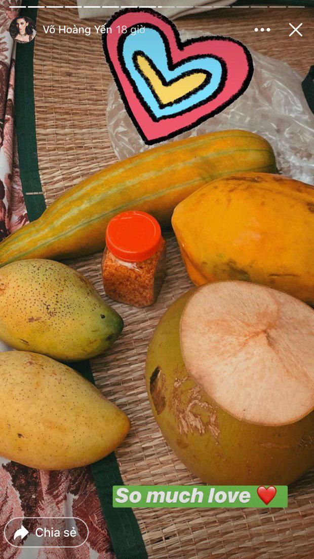 Đại gia khu cách ly gọi tên Võ Hoàng Yến: Bánh kẹo, hoa quả, vật dụng cá nhân nhiều đến mức mở cả tiệm tạp hoá cơ!