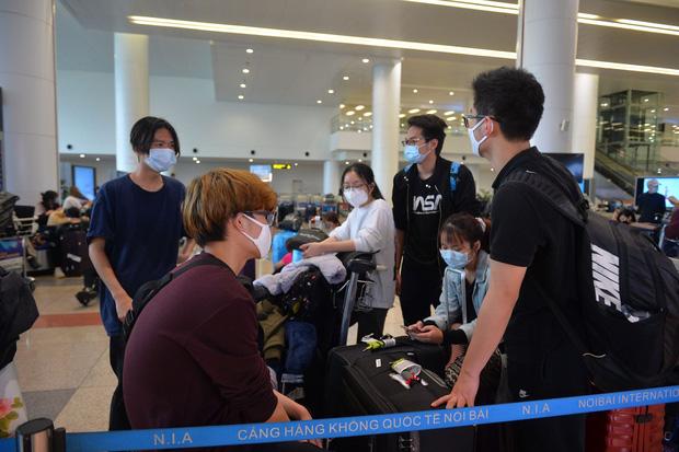 Nóng: Dừng vận chuyển người Việt Nam từ nước ngoài về sân bay Nội Bài