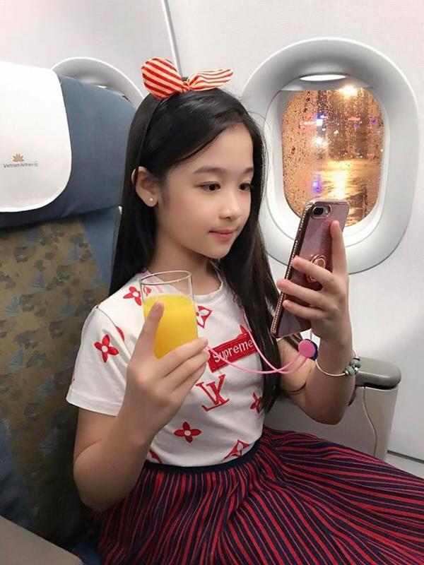 Hội rich kids 10X của Việt Nam hoàn hảo từ trong trứng: Amee đã tài năng còn giàu có