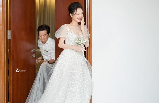 Chiều vợ như Trường Giang: Từ chụp ảnh cưới đến đi thảm đỏ đều ân cần nâng váy cho Nhã Phương
