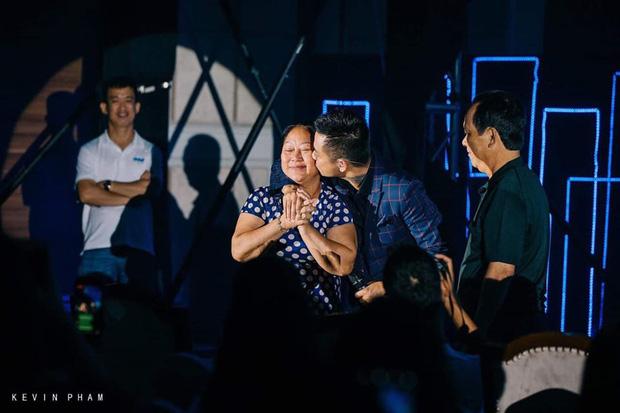 Dàn sao Việt đồng loạt khoe ảnh thân mẫu nhân dịp Ngày của Mẹ