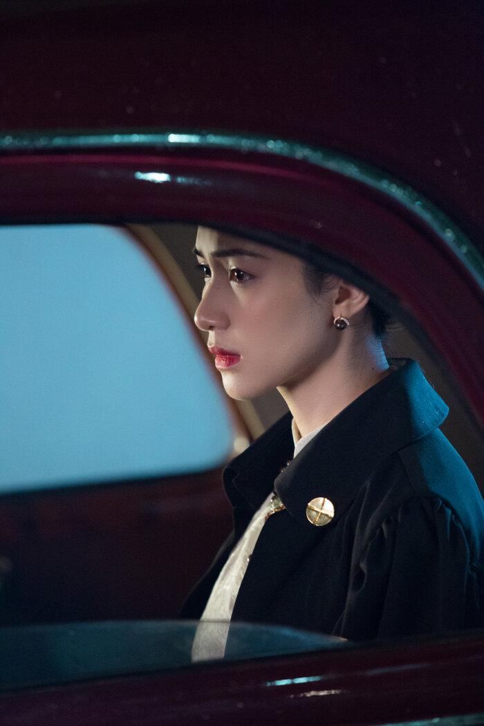 Hòa Minzy tái hiện chuyện tình đẫm nước mắt của Nam Phương Hoàng Hậu trong MV mới