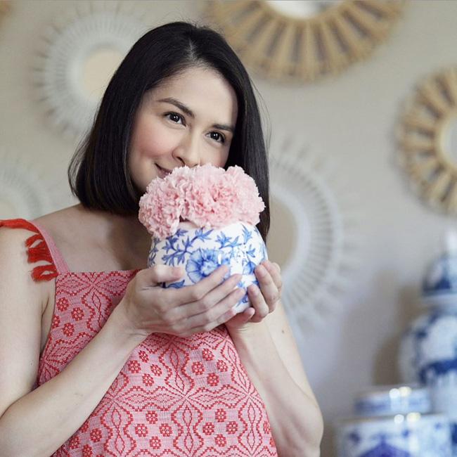 Để lộ tấm hình với vòng 2 to tròn, mỹ nhân đẹp nhất Philippines liệu có đang mang thai đứa con thứ 3?