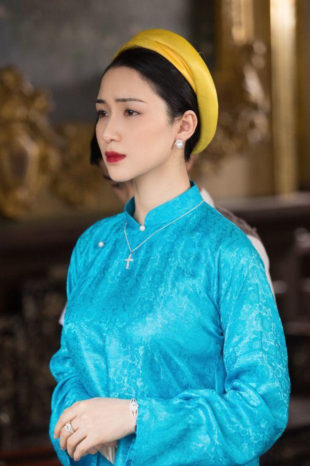 Hóa ra Ninh Dương Lan Ngọc mới là người từng được gửi gắm vai Hoàng hậu Nam Phương trong MV của Hòa Minzy