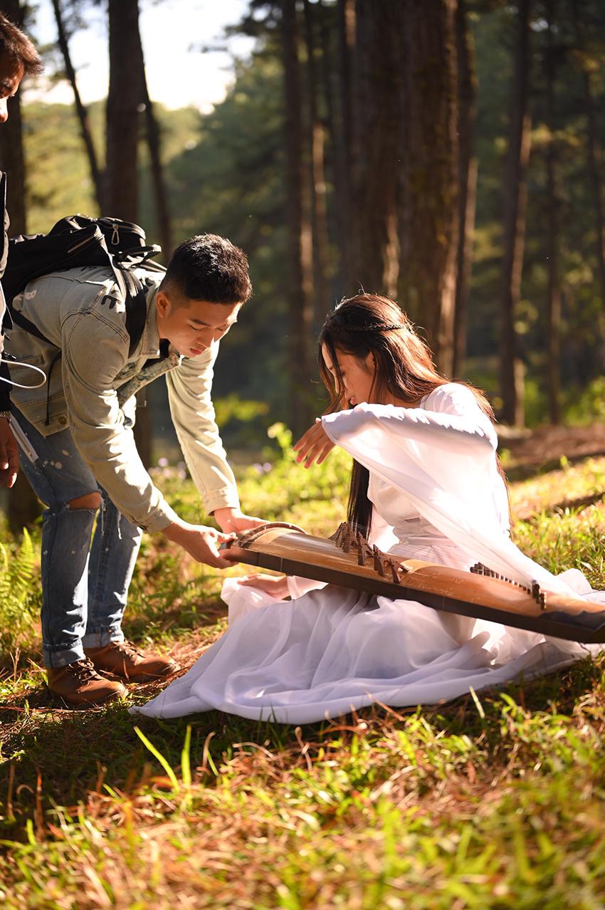Đinh Ứng Phi Trường tái xuất showbiz Việt với MV remake Xin đừng hỏi tại sao