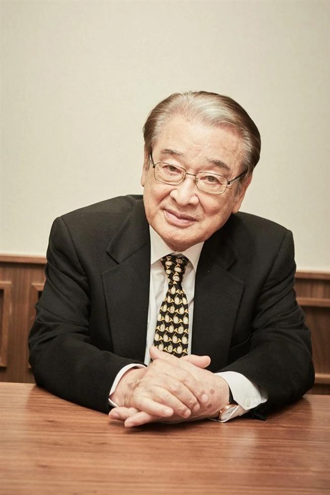 Ông nội quốc dân của Gia đình là số 1 Lee Soon Jae phản pháo cực gắt sau khi bị tố đối xử quản lý như người hầu