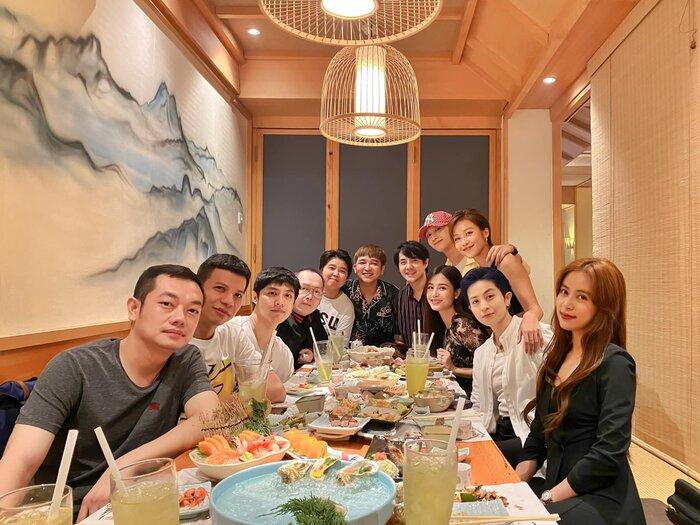 Hội bạn toàn sao của Đông Nhi - Noo Phước Thịnh họp mặt