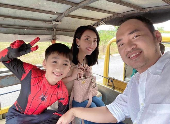 """Thu Trang tự khoe ảnh lộ bụng to rõ cùng lời khẳng định """"Andy có em"""", chuyện gì đây?"""