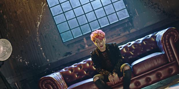 Trước thềm comeback, Sơn Tùng đút túi thêm MV có Chi Pu vào danh sách 100 triệu view