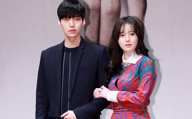 Gần 1 năm sau vụ lùm xùm ly hôn, Goo Hye Sun và Ahn Jae Hyun chấp nhận buông bỏ bằng tuyên bố này