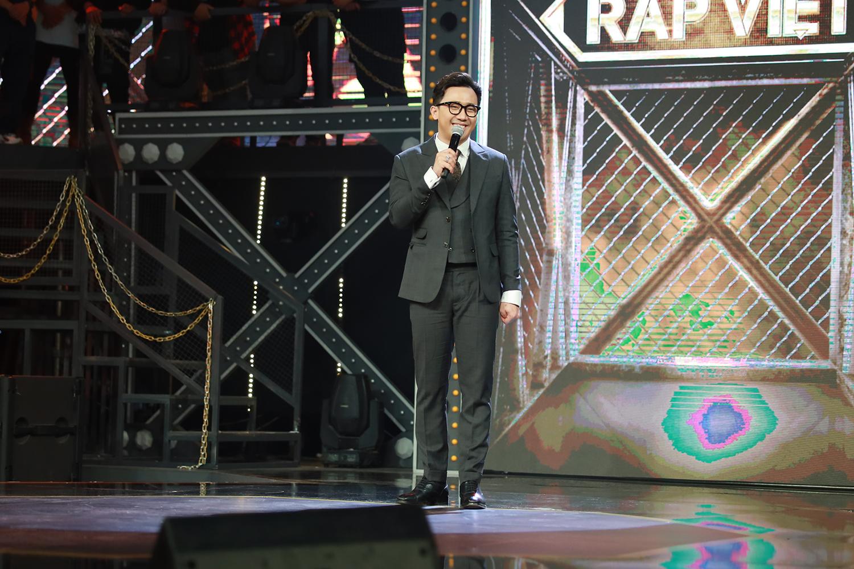 Trấn Thành khẳng định sự đa tài khi cầm trịch chương trình Rap Việt mùa đầu tiên