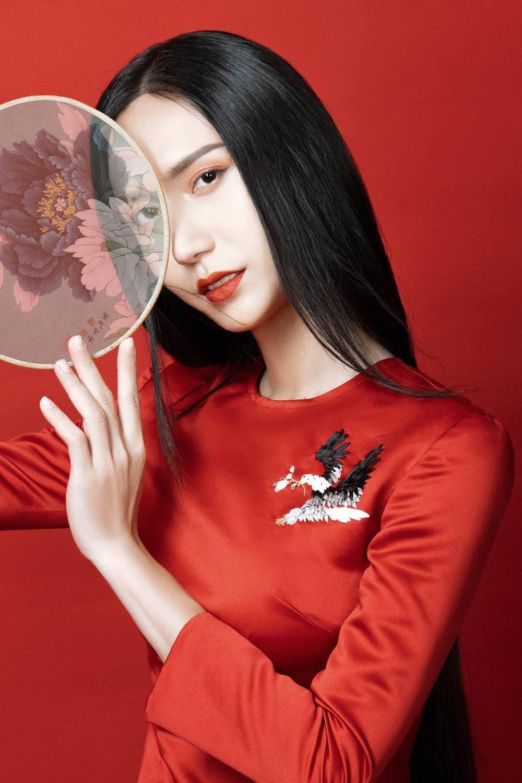 Dàn sao Việt xuýt xoa trước bộ ảnh mới của Lynk Lee, nhan sắc quả thật ngày càng thăng hạng!
