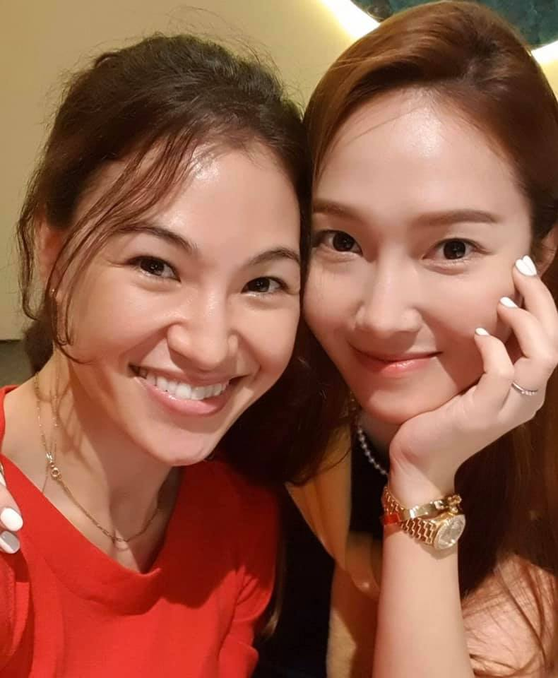 Fan thích thú khi phát hiện ra Jennie (BlackPink) có buổi hẹn hò ăn tối cùng đàn chị Jessica