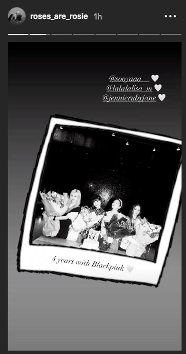 Lisa công khai cầu hôn Rosé nhân dịp tròn 4 năm BLACKPINK debut làm fan náo loạn: Rồi năm sau là kỷ niệm ngày cưới ư?