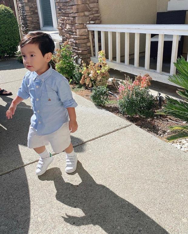 Giữa tình hình dịch bệnh tại Mỹ, Phạm Hương gây xôn xao khi đưa con trai đi học và không mang khẩu trang cho bé