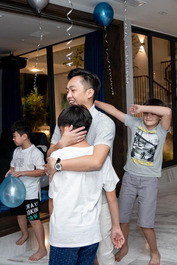 Vừa đón thêm con gái, Cường Đô La vẫn dành tình yêu đặc biệt cho quý tử Subeo