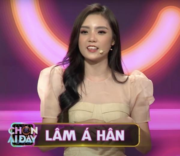 BB Trần gọi Lâm Á Hân là con gái, xoá tan tin đồn cạch mặt năm nào