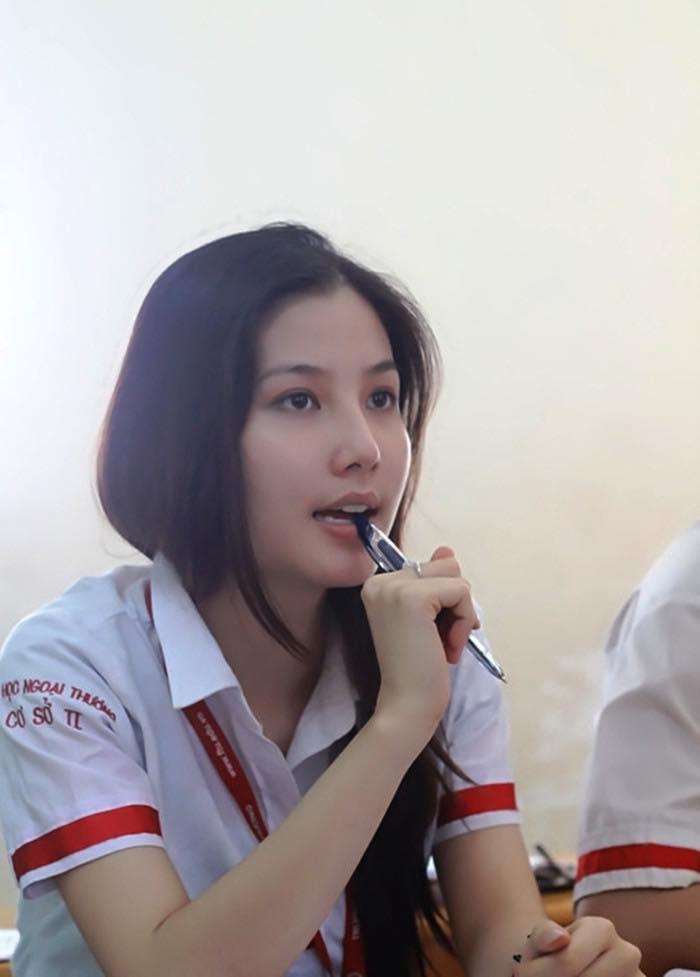 Sao Việt rộn ràng khoe ảnh mặc đồng phục học sinh nhân ngày khai giảng