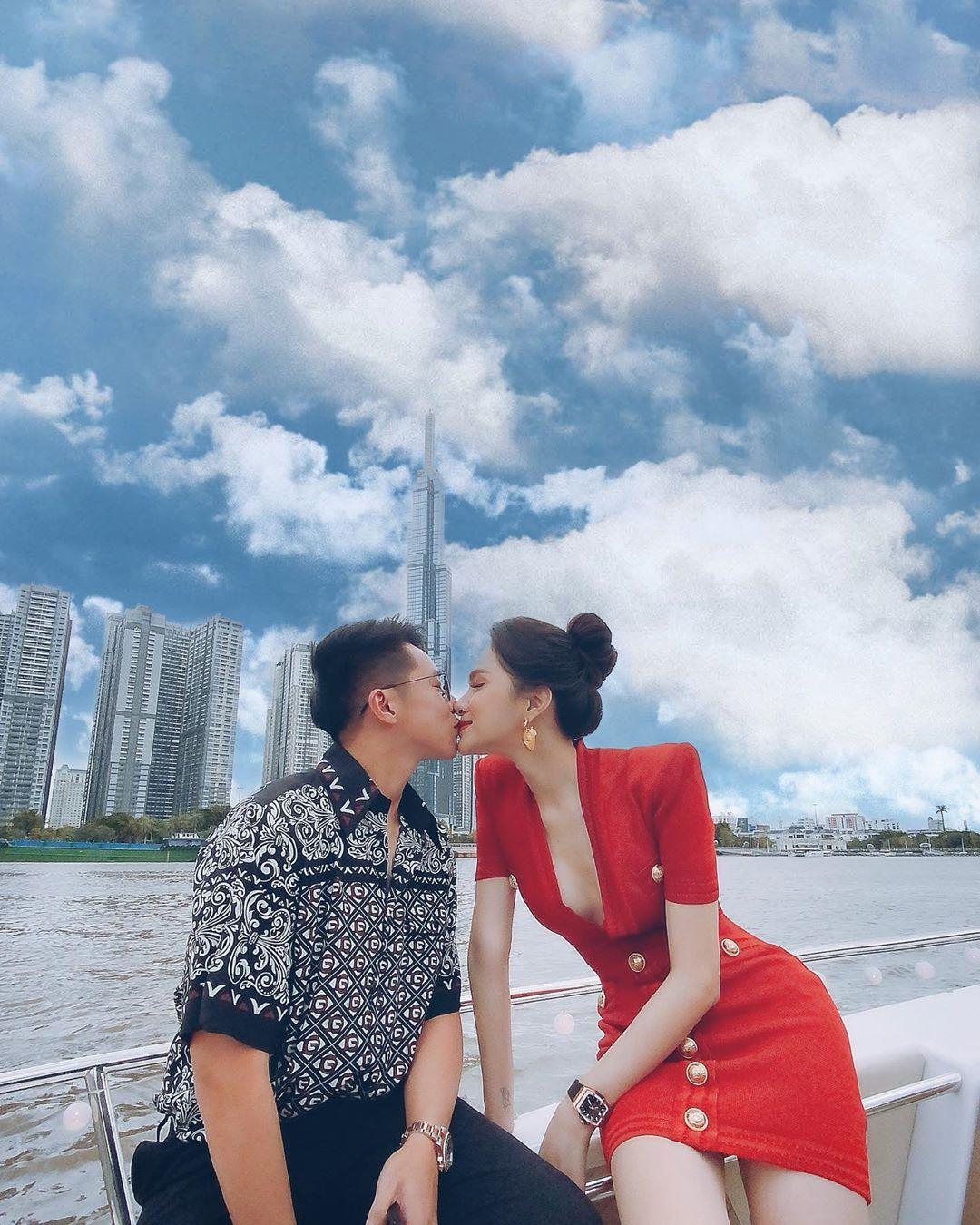 Hương Giang hé lộ biệt thự bạc tỷ: Khoe sương sương mặt tiền cũng đủ thấy quá hoành tráng