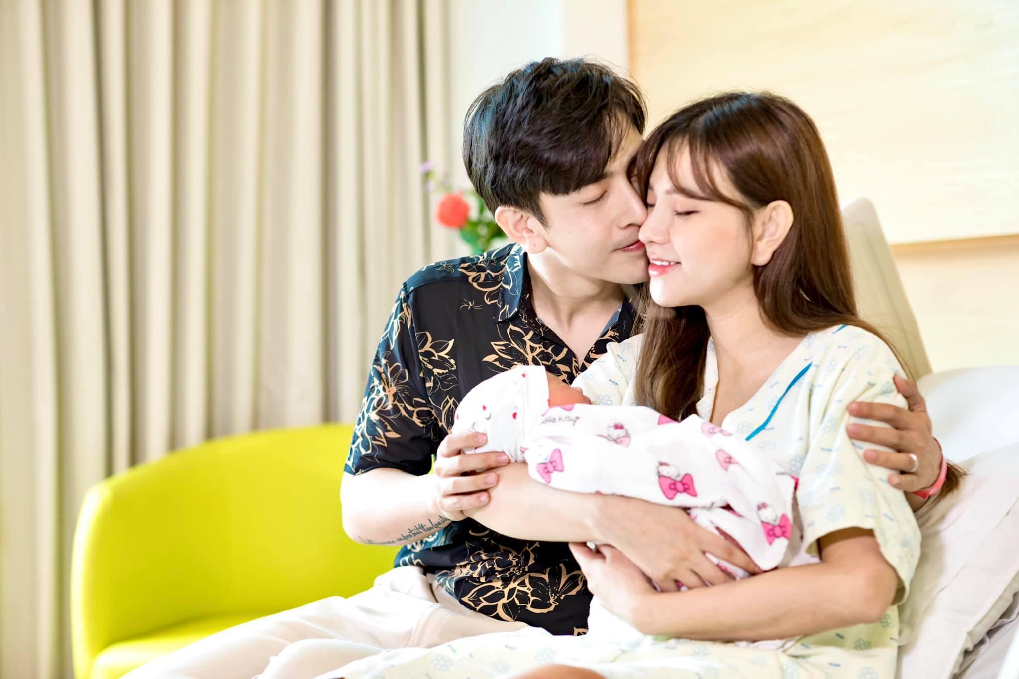 Thu Thủy nói lời ngọt ngào chúc mừng sinh nhật chồng trẻ