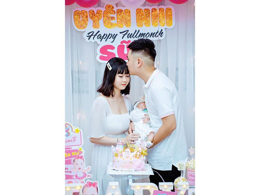 Chi Bé tiết lộ chồng sinh năm 2002, khẳng định không hối hận vì sinh con quá sớm