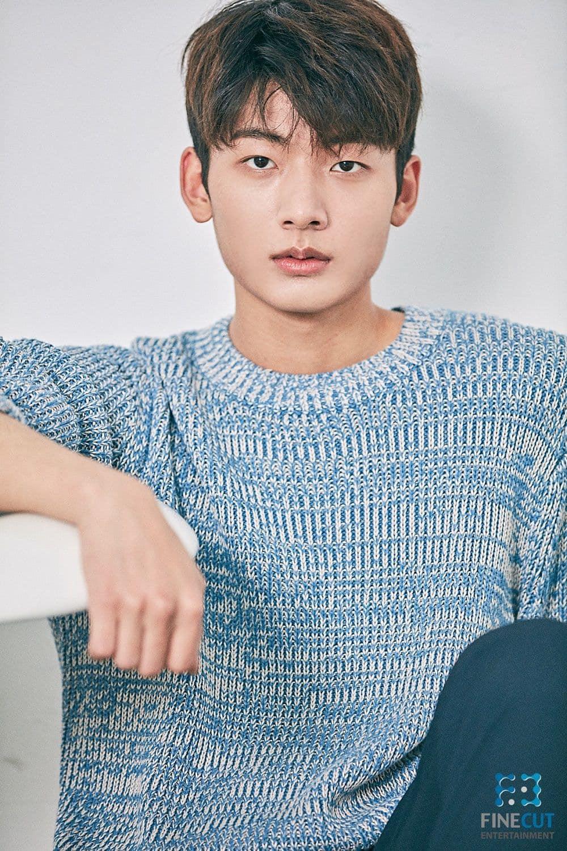 Lộ diện 7 chàng trai sẽ hoá thân thành BTS trong drama lấy cảm hứng từ nhóm, netizen có nhiều phản ứng trái ngược