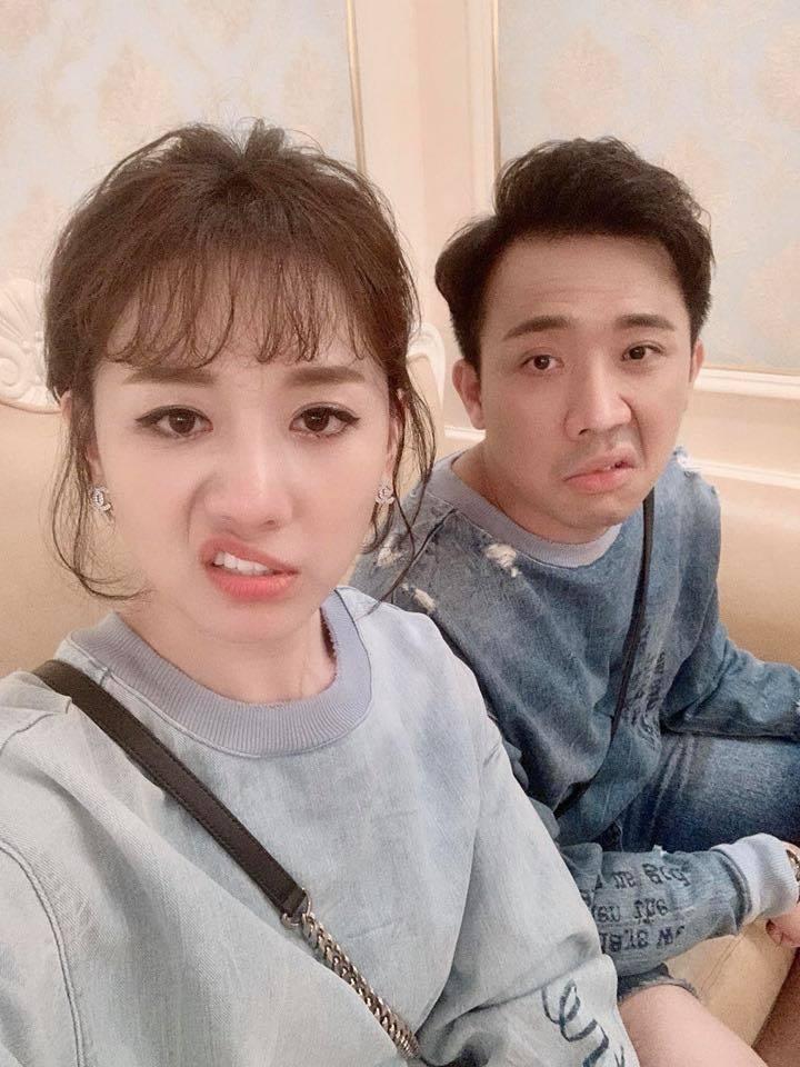Liên tiếp bị Trấn Thành bán đứng, Hari Won tung ảnh dìm hàng chồng: Cuộc sống phải có qua có lại