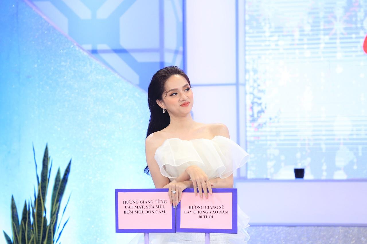 Hương Giang tuyên bố: Em có thể độn một số chỗ khác chứ không hề sửa mặt
