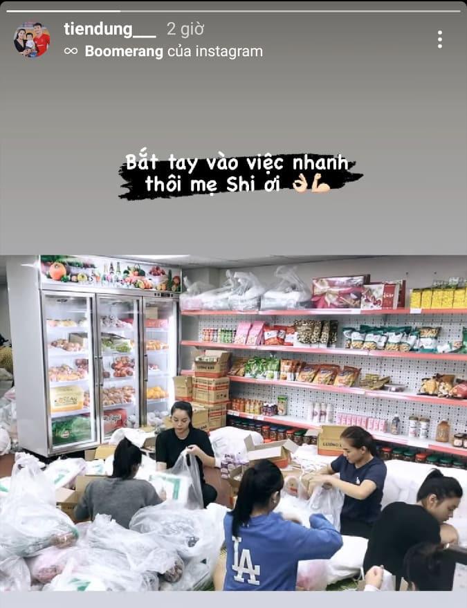 Cầu thủ Bùi Tiến Dũng được netizen khen ngợi vì tích cực tham gia cứu trợ miền Trung dù lịch trình sát sao