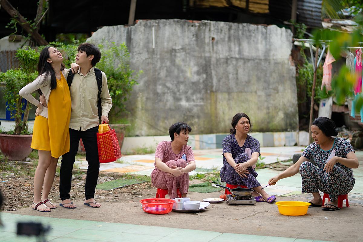 """Hội ngộ sau 8 năm, bộ ba """"Tắt nước"""" Huỳnh Lập – Lê Nhân – Duy Khánh khiến khán giả cười nghiêng ngả với Tắt tiếng"""