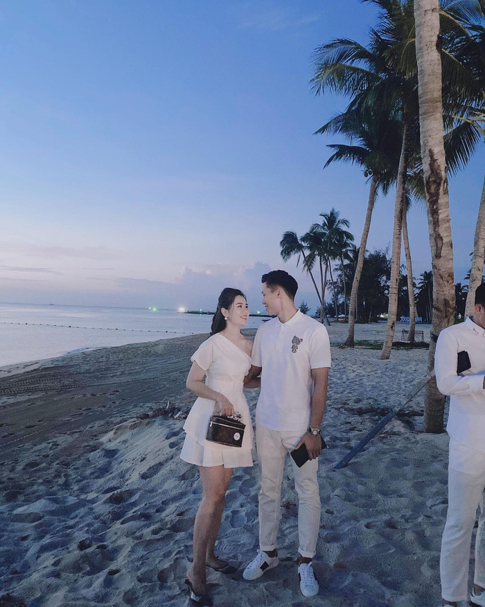 Dàn tuyển thủ toàn trai đẹp xuất hiện cực bảnh trong đám cưới Công Phượng ở Phú Quốc