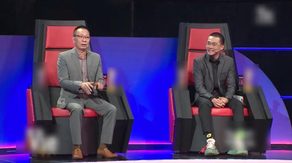 Netizen lú nhẹ vì MC Lại Văn Sâm giả và thật ngồi chung một show