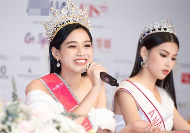 Tân Hoa hậu Đỗ Thị Hà đăng tâm thư đầu tiên hậu đăng quang