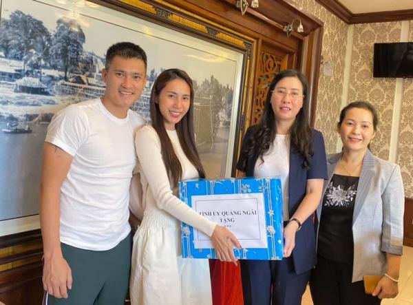 Thủy Tiên công khai sao kê 177 tỷ cứu trợ miền Trung, bỏ tiền túi ra gần 4 tỷ hỗ trợ bà con